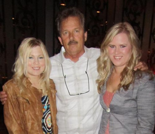 Lee and his daughters