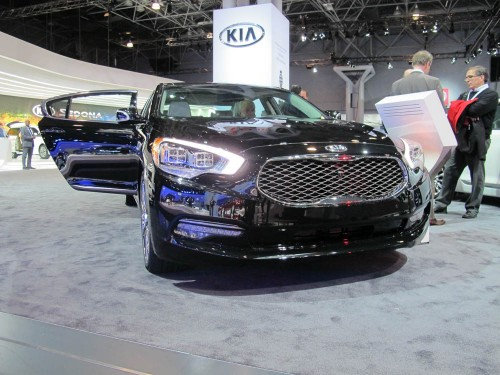 KIA K900 at the NYIAS