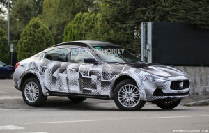 2016-maserati-levante-test-mule-spy-shots_100477823_l